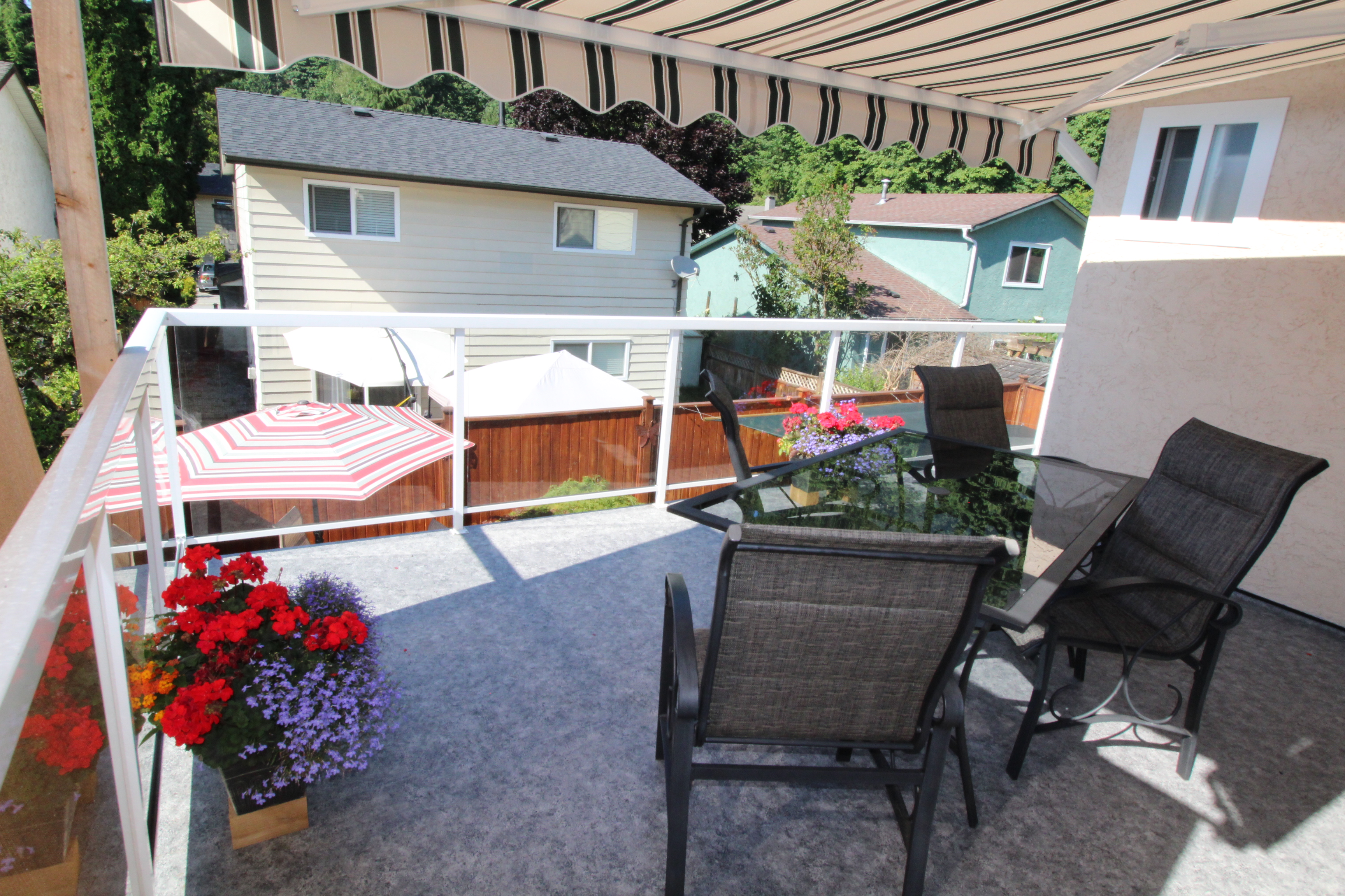 Coquitlam vinyl deck installation | Citywide Sundecks and Railings
