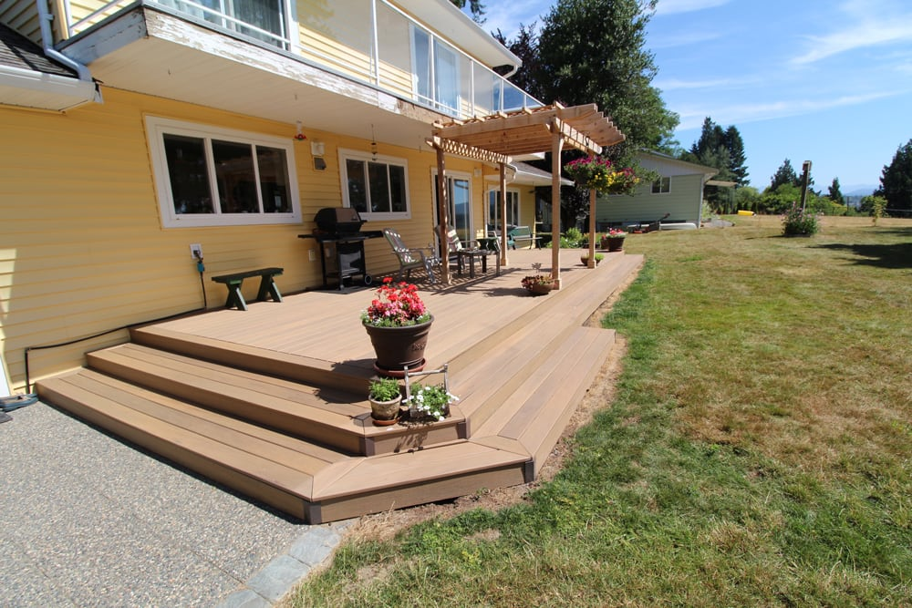 Professional composite deck builder maple ridge | Citywide Sundecks and Railings