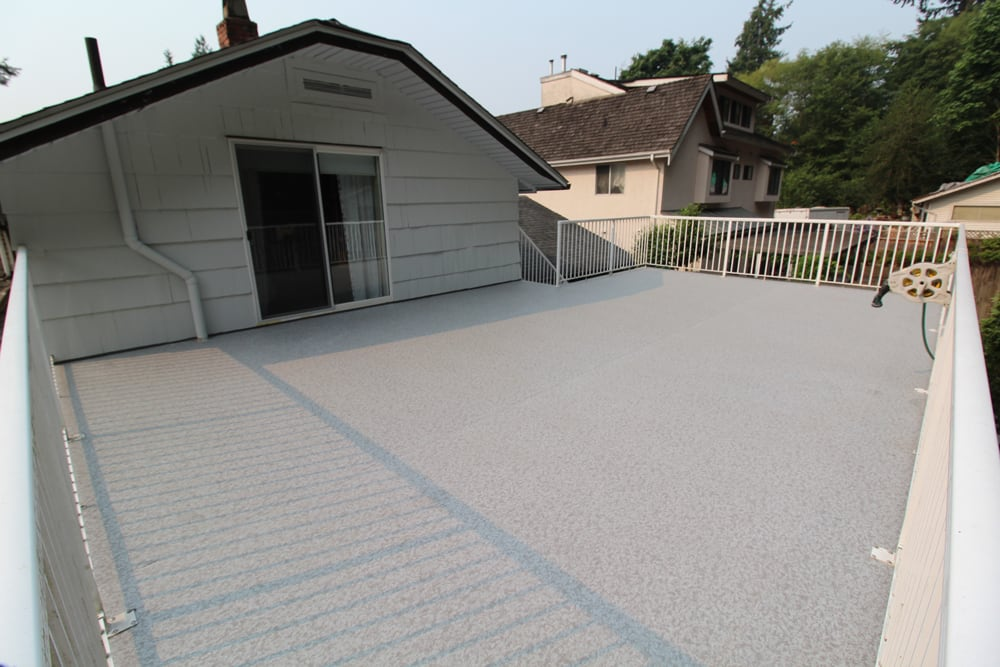 vinyl roofdeck with top mounted railings | Citywide Sundecks and Railings