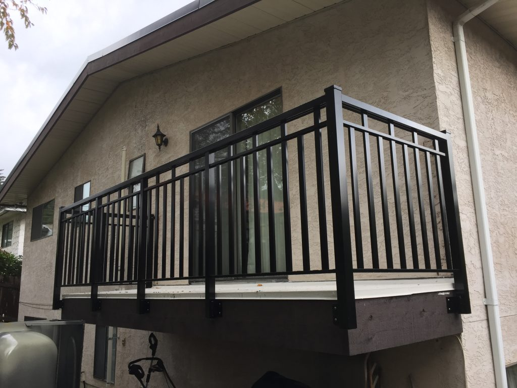 Wide Puerto Vallarta style custom aluminum picket railings | Citywide Sundecks and Railings