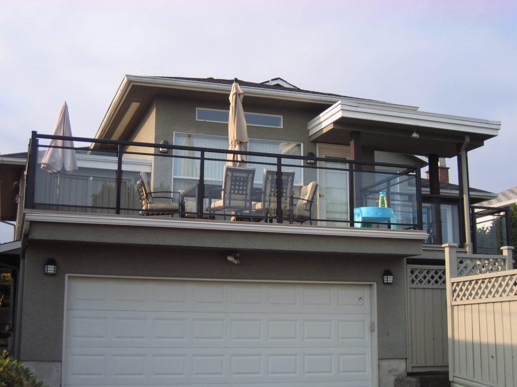 Double Top Cap Aluminum Glass Railings Vancouver | Citywide Sundecks and Railings