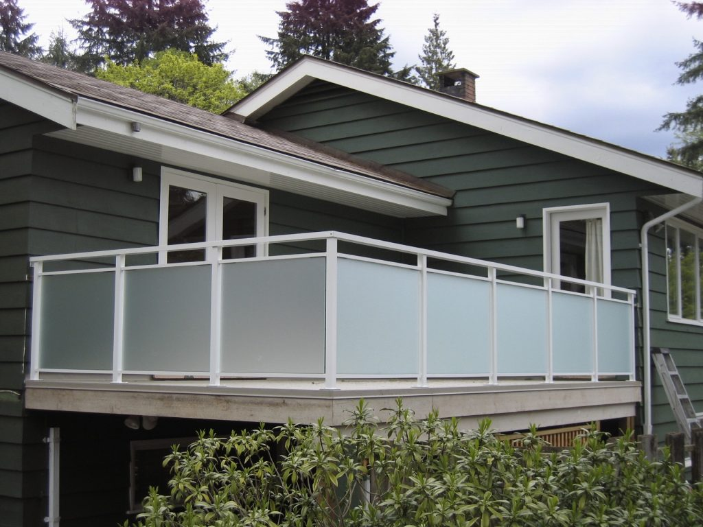 Satin Etch Glass Railings, Aluminum Double Top Cap Flat White | Citywide Sundecks and Railings